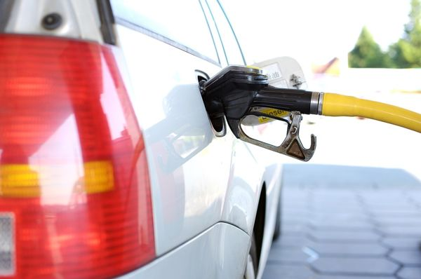 petrol prices rising in Pakistan